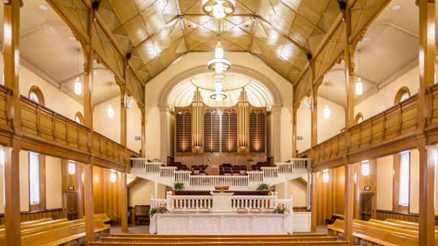 14 Photos of Unique & Striking Tabernacles & Meetinghouses