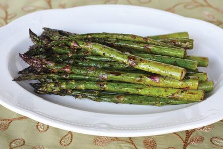 Thanksgiving Recipes: Garlic-Balsamic Asparagus