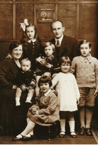 Reinhold and Ella Stoof with their children