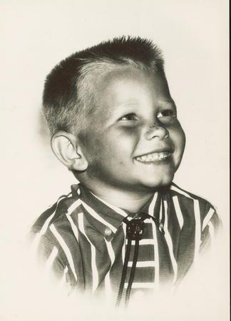 Elder Dale G. Renlund cuando era niño