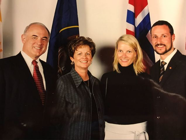 Erlend and Colleen Peterson with Crown Prince Haakon Magnus and Crown Princess Mette-Marit Tjessem Høiby at the SLC Winter Olympics in 2002. Image courtesy of Erlend Peterson.