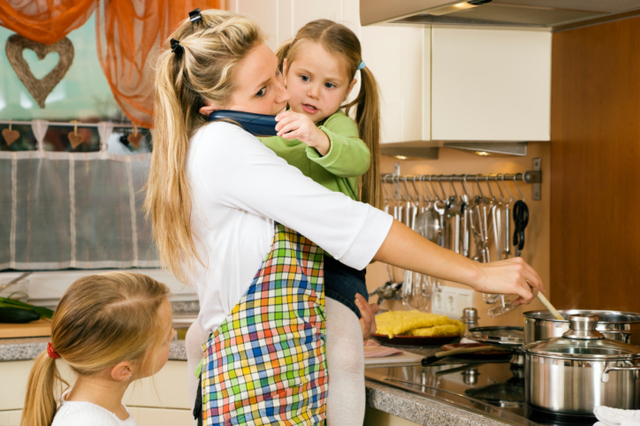 the role of a housewife Another role of a housewife is maintaining the upkeep of the house tasks like cleaning washing the dishes, doing the laundry, ironing clothes, dusting, keeping the fridge and pantry stocked and going grocery shopping if need be are all completed by a housewife.