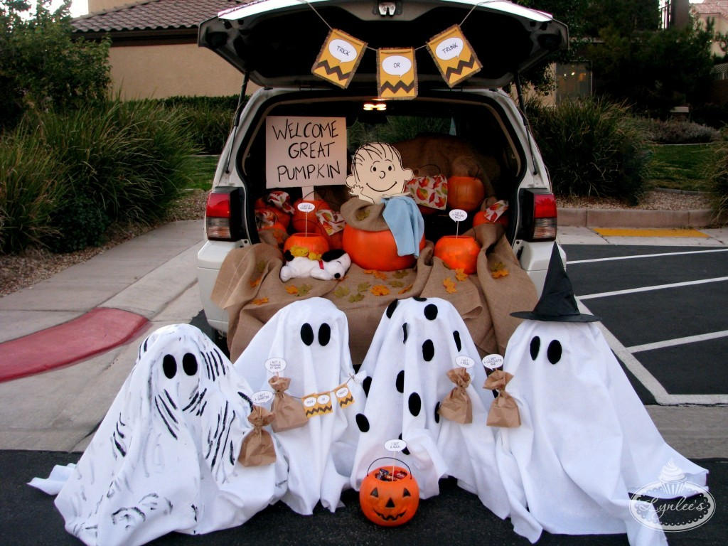 50 ways to dominate at trunk or treat decorating