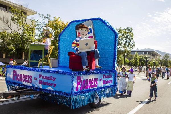 9 Spectacular Mormon-Themed Floats from the Days of '47 Youth Parade
