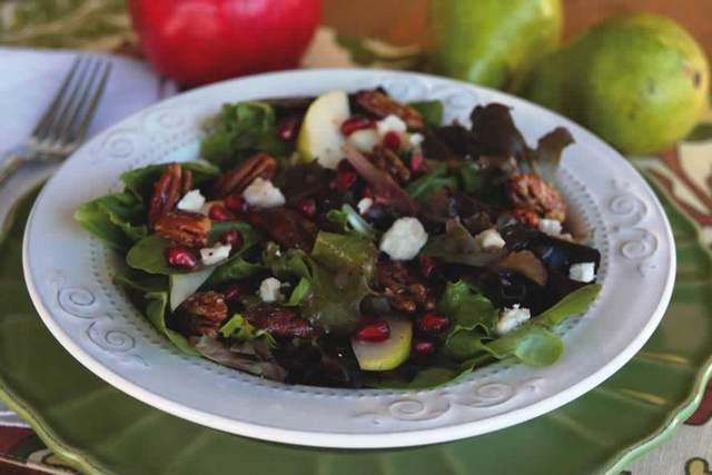 Thanksgiving Recipes: Pear Pomegranate Salad