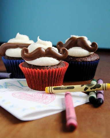 Father's Day Mustache Cupcakes