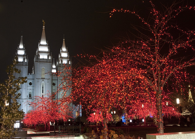 The Lights on Temple Square: What to Know If You Go | LDS Living