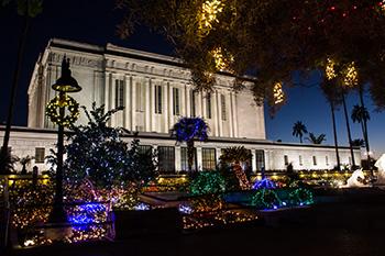 Photo Gallery: Temple Christmas Light Displays Around the World